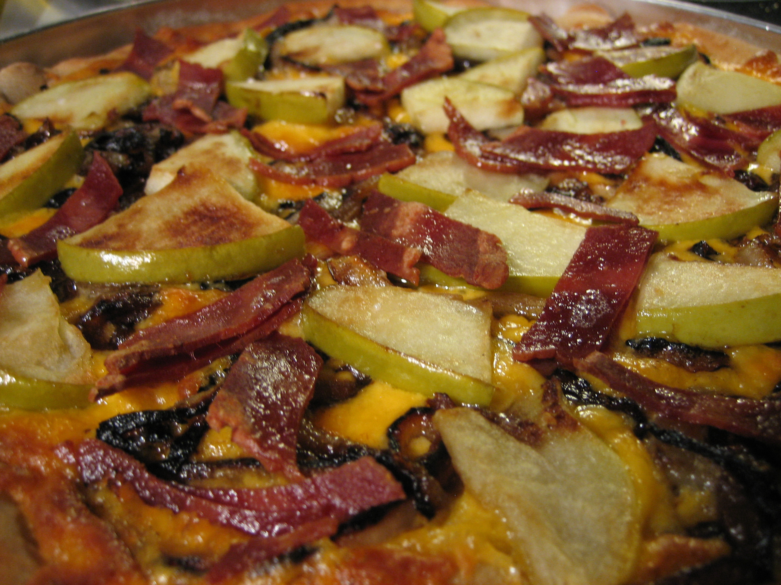 Apple, Bacon and Caramelized Onion Pizza Recipe | Girl ...