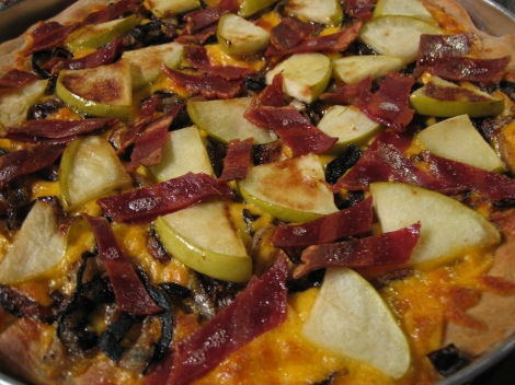 Apple Bacon and Caramelized Onion Pizza