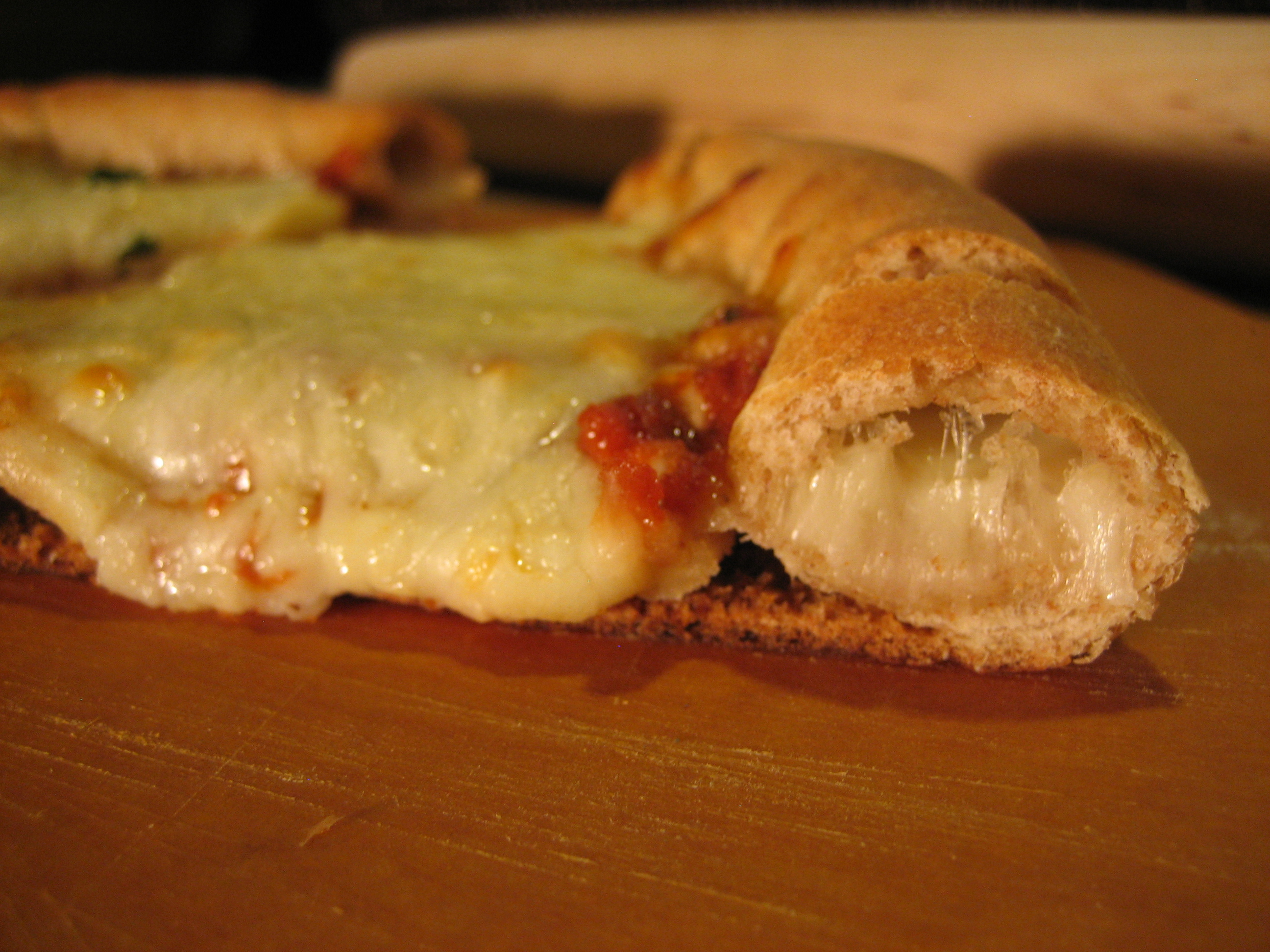 Stuffed Crust Pizza RecipeStuffed Crust Pizza